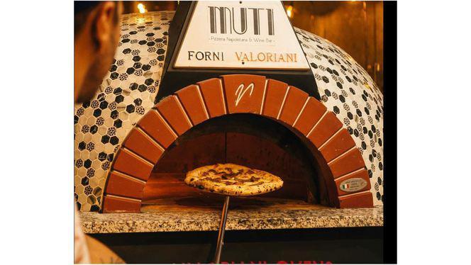 Forno interior - Muti Pizzeria Napoletana & Wine Bar, Porto