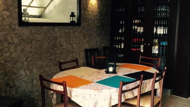 Sala do restaurante - Tasquinha do Bé, Porto