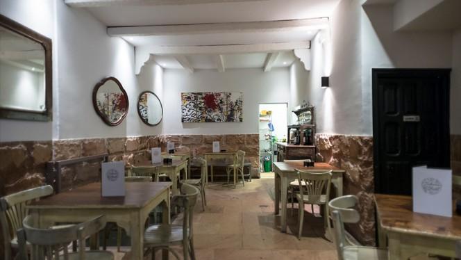 Vista sala - Taberna del Chato, Madrid