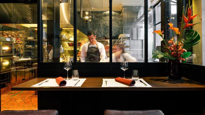 Table du chef - Le Flacon, Carouge