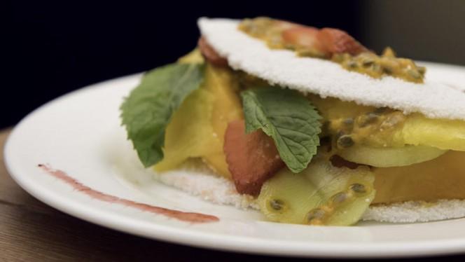 La nostra tapioca dolce con frutta fresca - Casa Tapioca, Milan