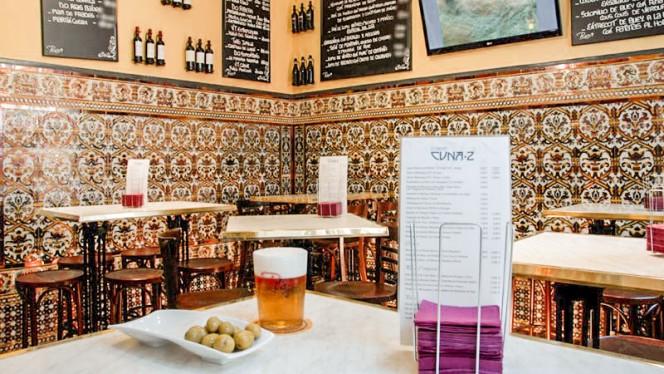 Vista Sala - Cuna 2 - Baco, Sevilla