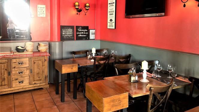 Salle - Cafe du Stade, Carouge