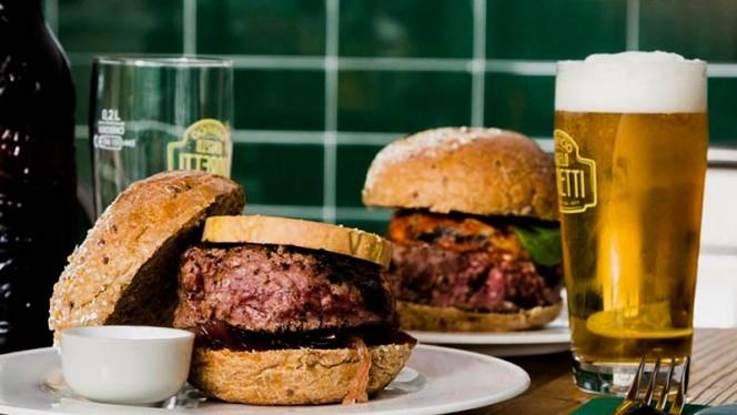 Rossini burger - Street Burger Italian Gourmet Castelbarco, Milan