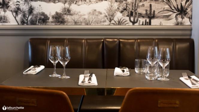 Table dressée - Racines des Prés, Paris