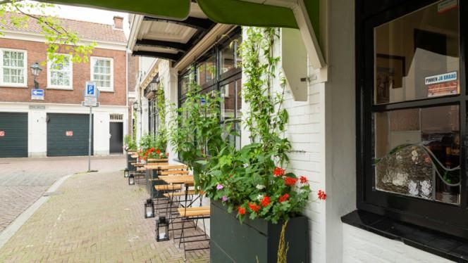 Terras - Rumi, Den Haag