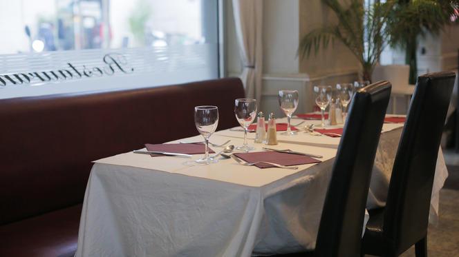Tables dressées - La Tentation des Gourmets, Paris