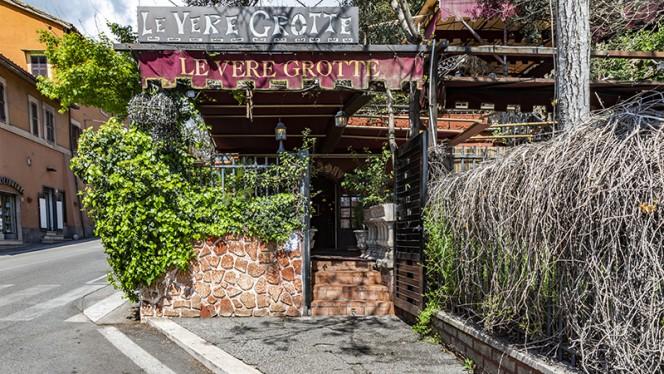 Entrata - Le Vere Grotte Imperial, Rome