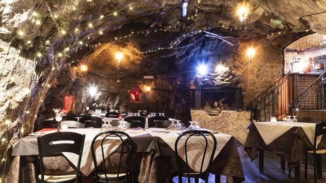 Vista della sala - Le Vere Grotte Imperial, Rome