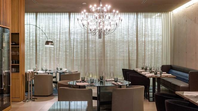 Interno - Aura Restaurant,