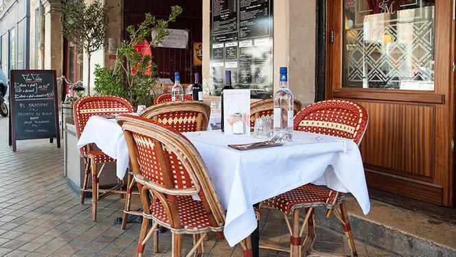 table dressée - La Brasserie du Passage Saint-Michel, Bordeaux