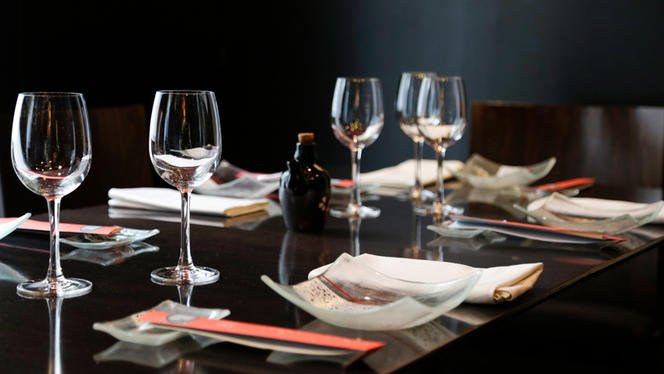Detalle mesa - Inari - General Pardiñas, Madrid