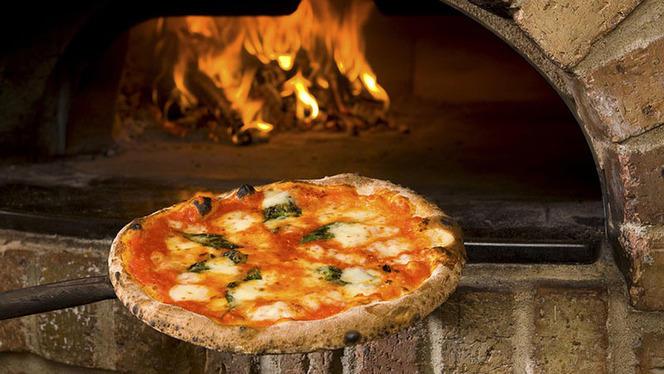 La pizza - Rosso mattone, Milan