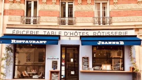 Jeanne B, Paris