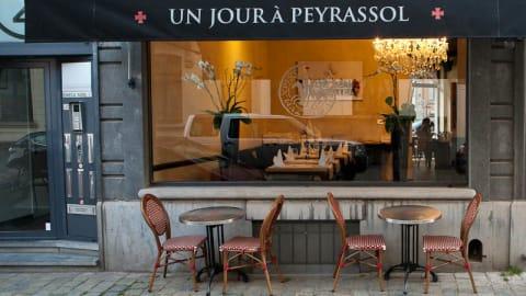 Un Jour à Peyrassol, Ixelles