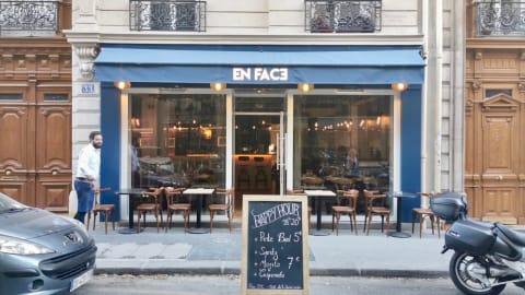 En Face, Paris