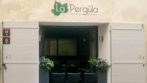 La Pergùla, Arles