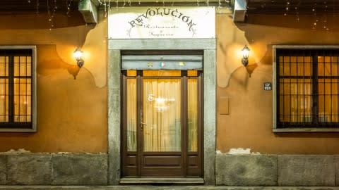 Revolucion, Turin