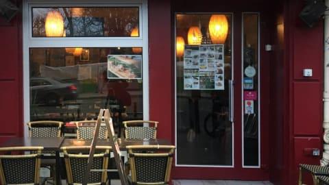 Saigon Lointain, Paris