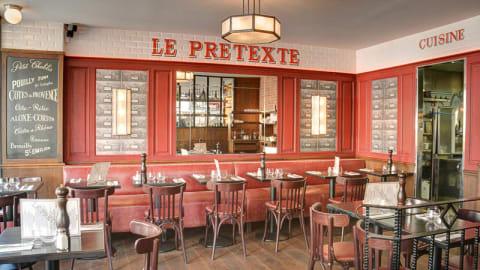 Le Pretexte, Paris