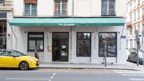 Les Attablés, Lyon