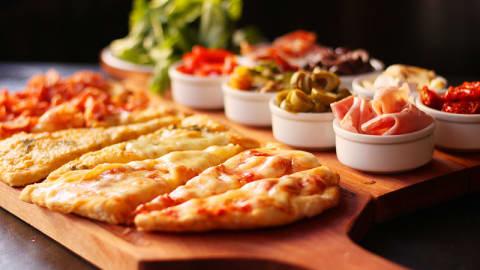 Almacen de Pizzas (Leloir), Udaondo