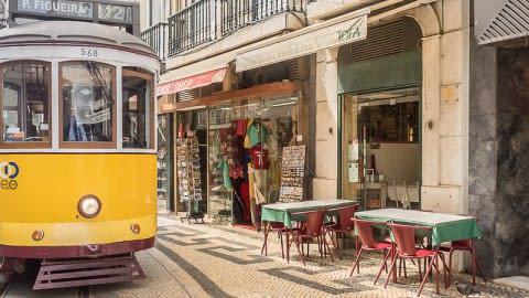 A Minhota da Prata, Lisbon