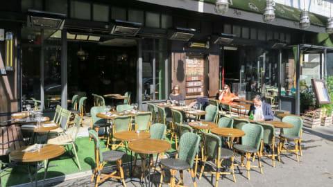 The Place to..., Paris