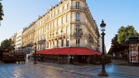 Fouquet's Paris, Paris