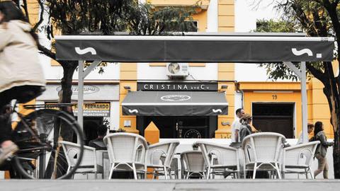 Cristina and Co, Sevilla