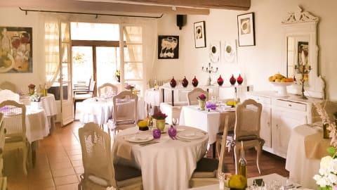 La Table d'Yvan - Mas des Carassins, Saint-Rémy-de-Provence