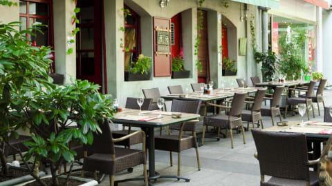 Zhong Tong, Genève