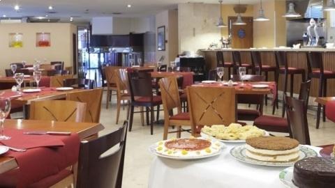 Global Café - Hotel Husa Princesa, Madrid
