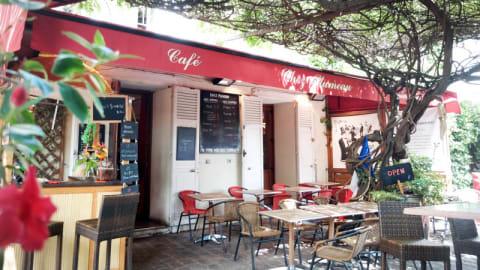 Chez Plumeau, Paris