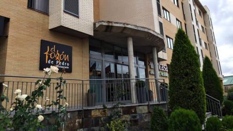 El Fogón de Pedro - Aparthotel Encasa Vicálvaro, Madrid