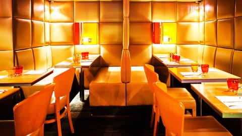 Sofa Café, Paris-9E-Arrondissement