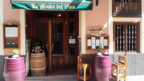 Masia del Vino, Valencia