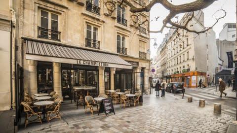 Le Champollion, Paris