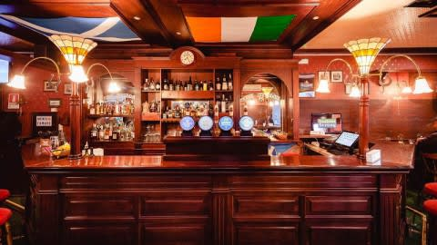 The Stuart, Scottish Pub, Bari