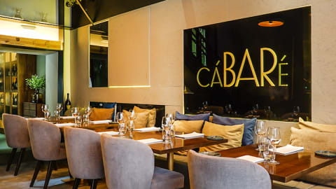 cáBARé - Restaurant & Wine Bar, Porto