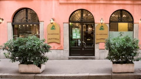Al Cantinone, Milan