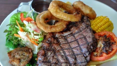Maisies Seafood and Steakhouse, Noosaville