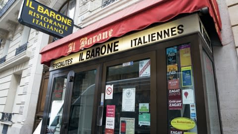 Il Barone, Paris