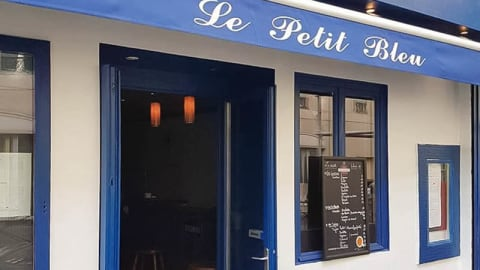 Le Petit Bleu - Saint Maur, Paris