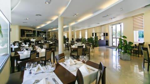 Cruz de los Vientos resto (Quorum Hotel), Córdoba (Argentina)