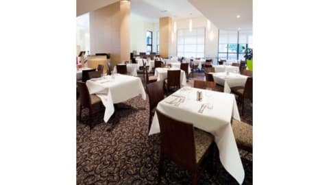Woods Cafe Bar Restaurant, Melbourne