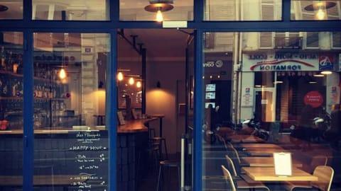 Les Planqués, Paris