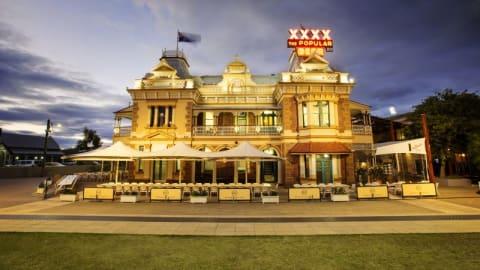 Spanish Garden Steakhouse @ Breakfast Creek Hotel, Albion
