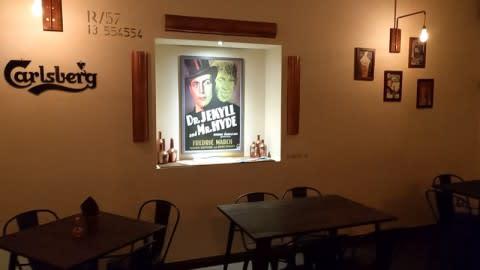Jekyll pub, Food & Beverage, Trapani