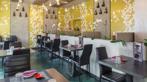 Shiny Sushi And Fusion Restaurant, Milan